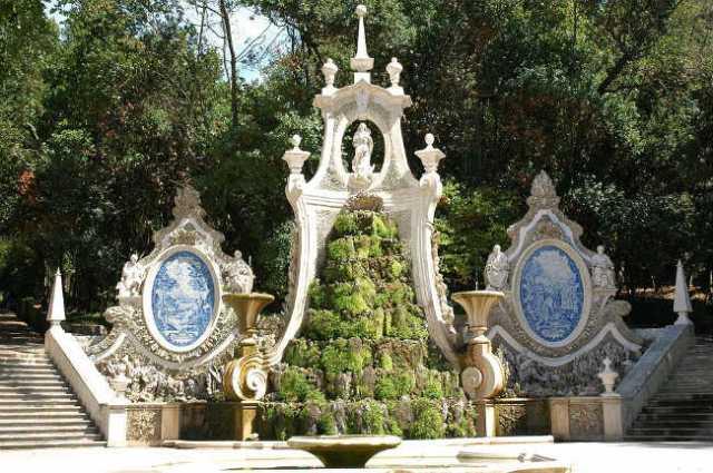 Jardim da Sereia, cascata de 3 corpos, Coimbra | Foto: C Goulao, via Wikimedia Commons
