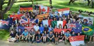 Jovens cientistas internacionais no Instituto Weizmann   Crédito: Divulgação