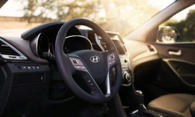 Hyundai Grand Santa Fe V6 (2018) Precio, Equipamiento, Fotos, Motor 2