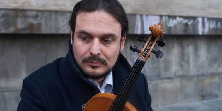 Rocco Rosignoli, cantautore con violino