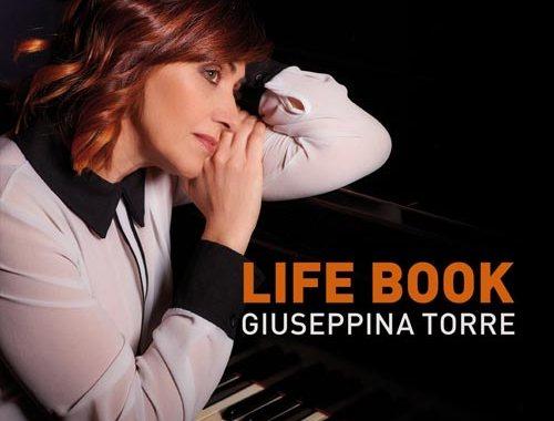La pianista Giuseppina Torre sulla copertina del disco Life Book