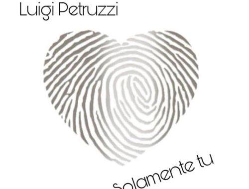 copertina del disco di Luigi Petruzzi - Solamente Tu con un cuore grigio su fondo bianco