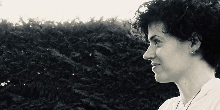 La cantautrice Gabriella Attardo cantautrice di profilo