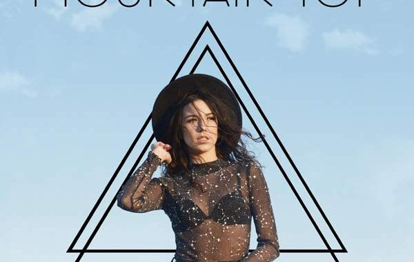 Sarah nella copertina del disco Mountain Top