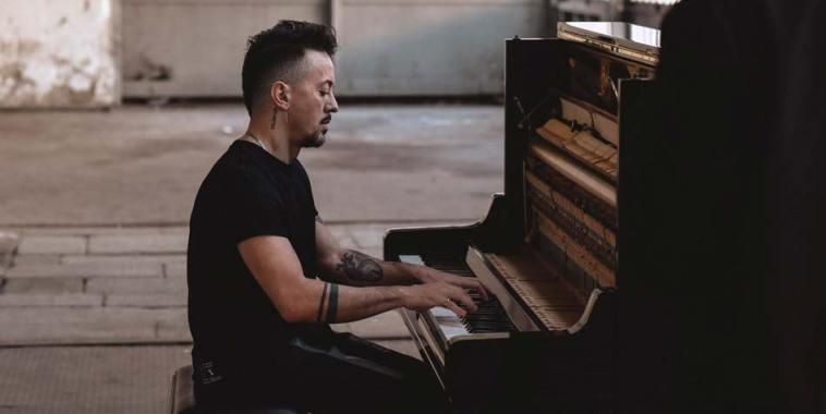 Dardust, Dario Faini al pianoforte