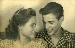 Tom Jobim con la sorella Helena nel 1945