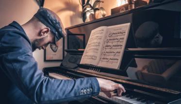 Alberto Vescovi al pianoforte