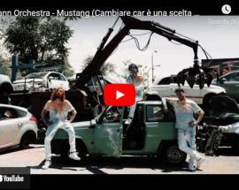 copertina del video degli Hofmann Orchestra, Mustang (Cambiare car è una scelta di vita)