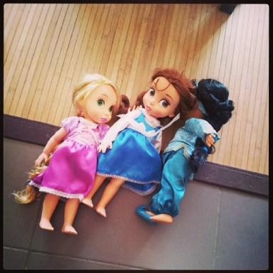 Raiponce rejoint le gang des poupées...