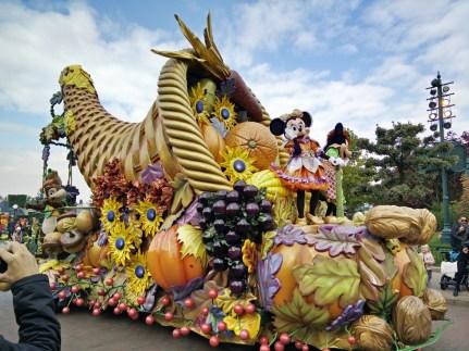 parade-mickey-halloween