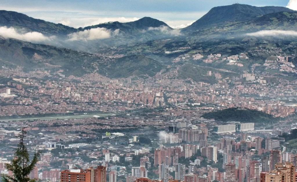 Crónicas de Medellín 5: álbum de fotos