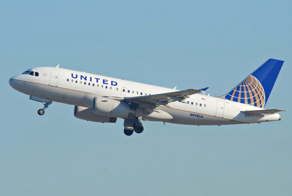United_Airlines_Airbus_A319