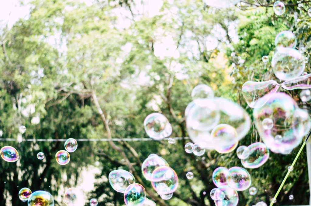 shallow focus photography of bubbles