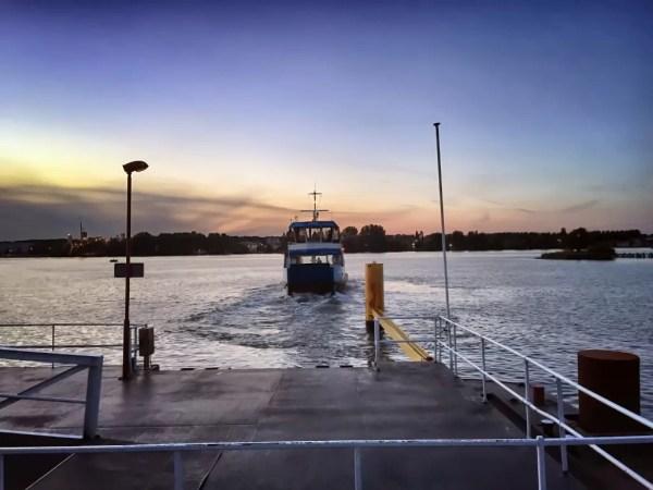 Ferry desde Java Island