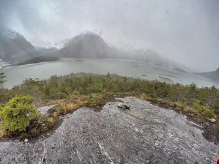 Frente al Glaciar Pía, bajo la nieve