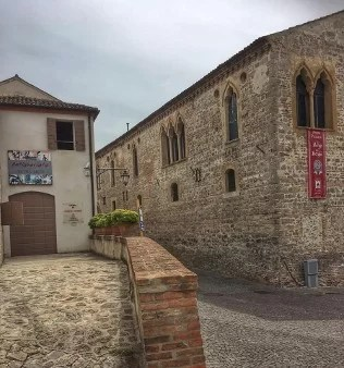 Arqu Petrarca cosa vedere nel borgo medievale dei Colli