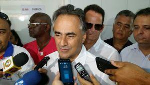 Em discurso na posse dos novos auxiliares, Cartaxo alfineta Azevedo: 'É preciso ter história com JP'