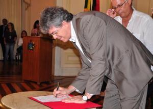 Governador cria Câmara de Conciliação para renegociar dívidas e contratos do Estado