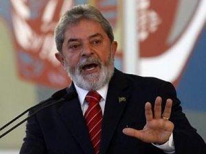 Lula afirma a jornalistas que não há ninguém mais honesto do que ele