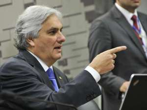 Delcídio prometeu falar de Lula e Dilma caso faça delação premiada