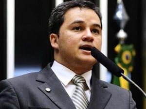 """Efraim diz governo não vai barrar impeachment, apesar de balcão de negócios: """"Modelo esgotou"""""""