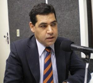 Gilberto Carneiro admite parcelamento de débitos com fornecedores do Estado