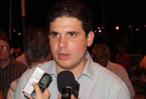 Hugo Mota se reúne com Maranhão e diz que senador não abre mão de candidatura