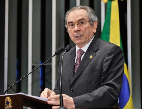Governo cogita Raimundo Lira para substituir Delcídio na liderança do governo