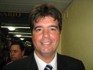 Fabiano Gomes apresenta degravação de vídeo e pede desculpas a Ruy Carneiro