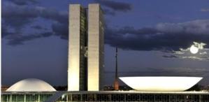 Senadores apresentam PEC que prevê eleição presidencial para outubro deste ano