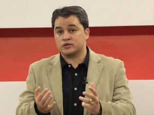 Efraim Filho coloca nome à disposição do grupo de RC para disputar Prefeitura de JP