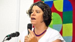 Militância e pesquisa interna apontam Estela como favorita para substituir João Azevedo