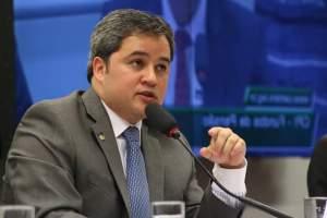 """Efraim defende candidatura do DEM em JP com apoio do PSB: """"Abre vaga para Edvaldo Rosas na Câmara"""""""