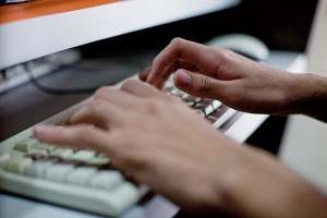 Anatel suspende bloqueio na banda larga fixa por tempo indeterminado