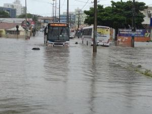 Por causa das chuvas, governador decreta estado de alerta em João Pessoa