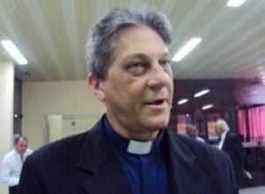 Em entrevista à Folha de São Paulo, Dom Aldo nega ter beneficiado padres