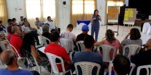 Bomba: Áudio revela prefeita de Conde negociando cargos da Educação com vereadores