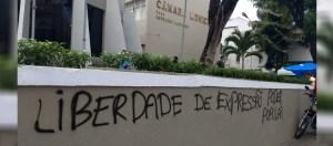 Sessão tumultuada: Pichadores hostilizam Eliza Virgínia e picham prédio da CMJP