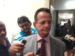 """""""Luciano representa bem o que a gente quer"""", diz Marcos sobre candidatura ao governo"""