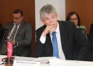'O Brasil parou há dois anos e nada consegue andar', afirma RC durante encontro na Bahia