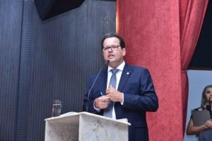 Presidente do TCE destaca importância de curso promovido pela CMJP e Senado