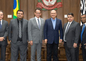 Comitiva convida Governador de SP para as celebrações dos 70 anos da Câmara de JP