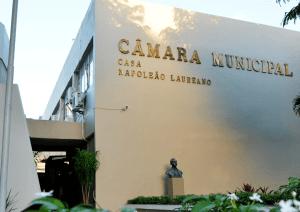 Em nota, Câmara de João Pessoa anuncia mudança de local para entrega de título a Lula
