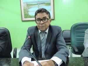 """Vereador que """"bebe por recomendação médica"""" tem contas de campanha reprovadas"""