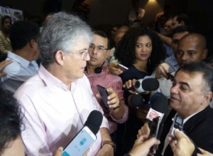 RC minimiza encontro da oposição e rebate Cartaxo sobre fim do ciclo do PSB