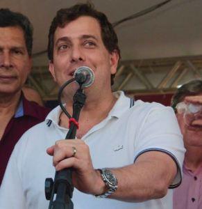 Gervásio participa de entrega de casas e de autorização de obras no sertão paraibano
