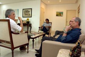Após reivindicar apoio, Carlos Lupi e Ciro Gomes são recebidos por Ricardo na Granja Santana