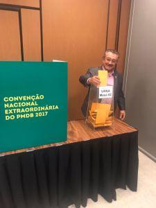 Maranhão é ovacionado durante Covenção Nacional do PMDB em Brasília