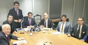 Aguinaldo Ribeiro leva paraibanos para audiência com ministro das Cidades