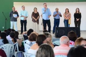 Prefeito Luciano Cartaxo inspeciona obra da Praça da Família nesta segunda